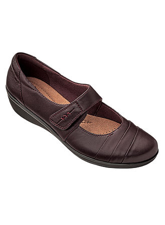 Main Clarks® Everlay Kennon Mary Jane hover here for zoom